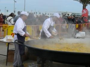 One gigantic pan!   cc:  http://commons.wikimedia.org/wiki/File:Un_granito_por_Haiti.jpg